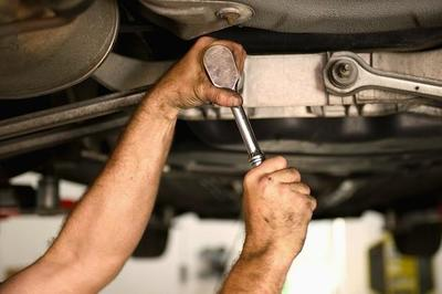 Quality Oil Change Center in Warrensville Heights