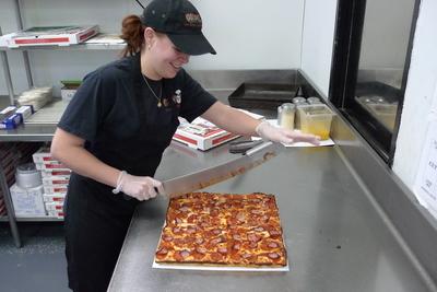 Guidos Premium Pizza Detroit Style Deep Dish Oxford MI